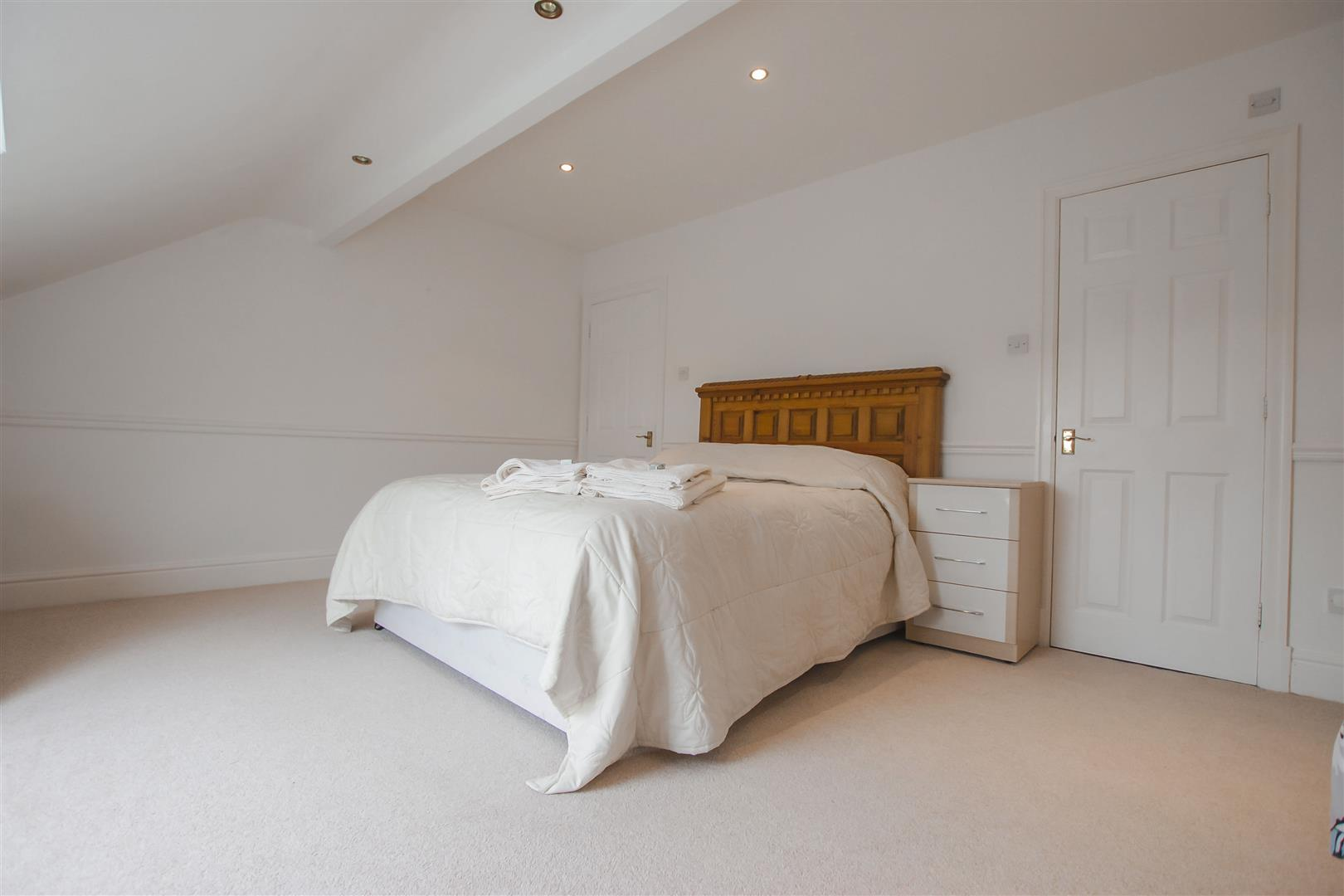 4 Bedroom Townhouse House For Sale - Image 10